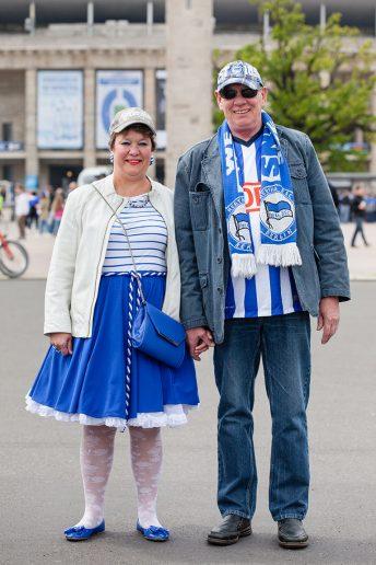 FußballFanFotos, Bärbel und Peter, Olympiastadion
